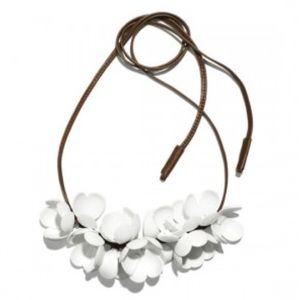 New MARNI x H&M flower statement necklace white